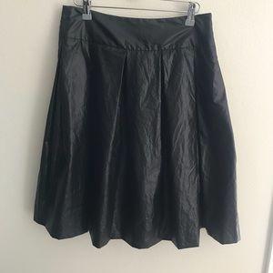 Theory black coated pleated knee length skirt